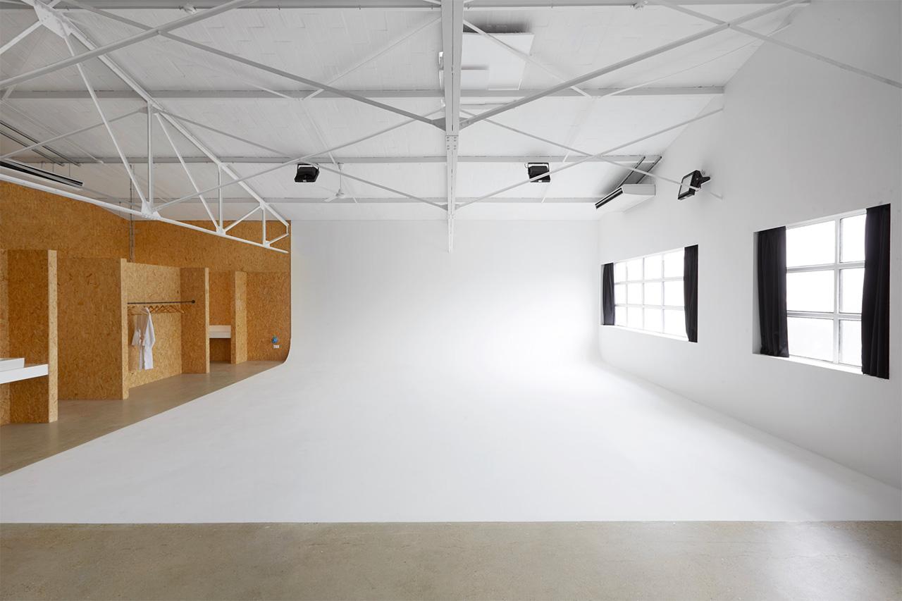 Cyclorama et verrières plateau 5 au Studio Rouchon